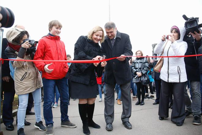 Выставку открывают Влад Румянцев (слева), Татьяна Васильева и Дмитрий Шпаро.